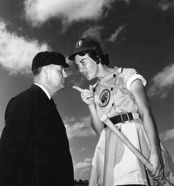 Fort_Wayne_Daisies_player,_Marie_Wegman,_of_the_All_American_Girls_Professional_Baseball_League_arguing_with_umpire_Norris_Ward_Opa-locka,_Florida.jpg